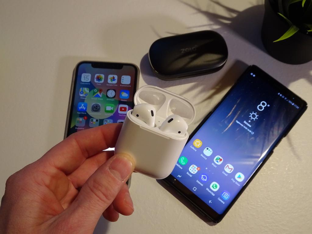 Apple Airpods : Un anno dopo, vale la pena acquistarle?