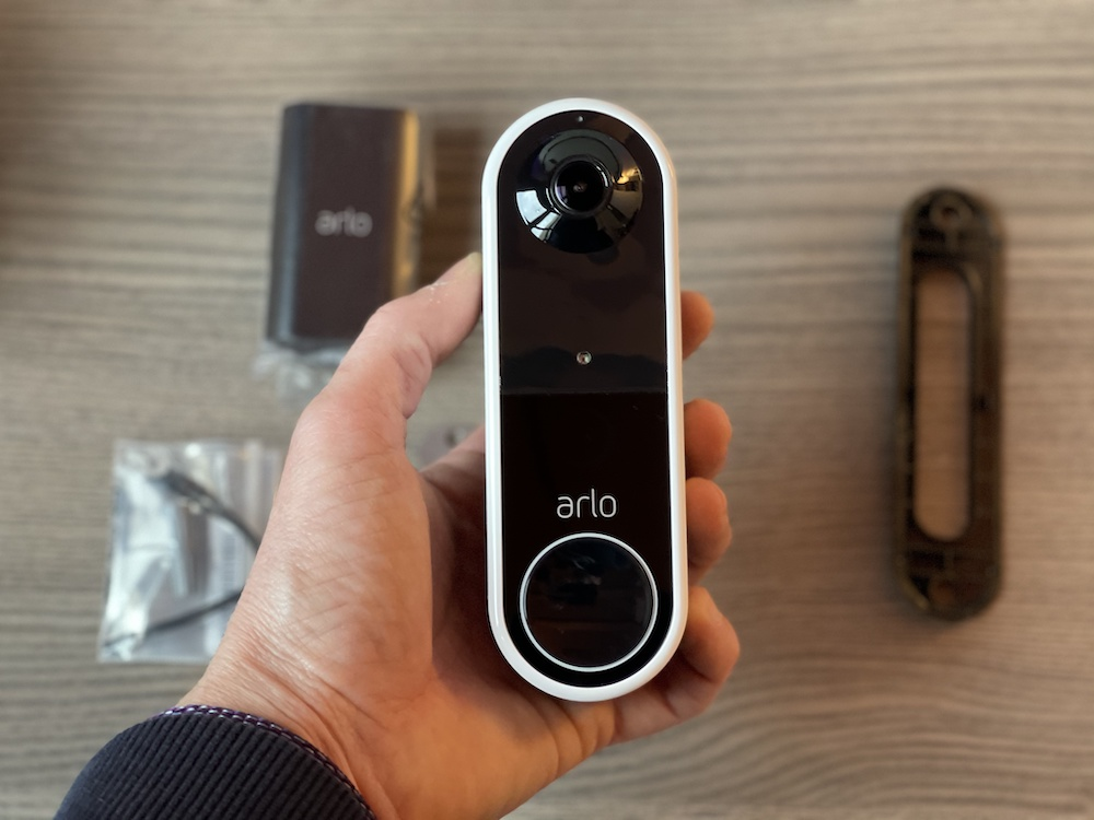 Arlo Video Doorbel Essential senza fili : Recensione del campanello smart!