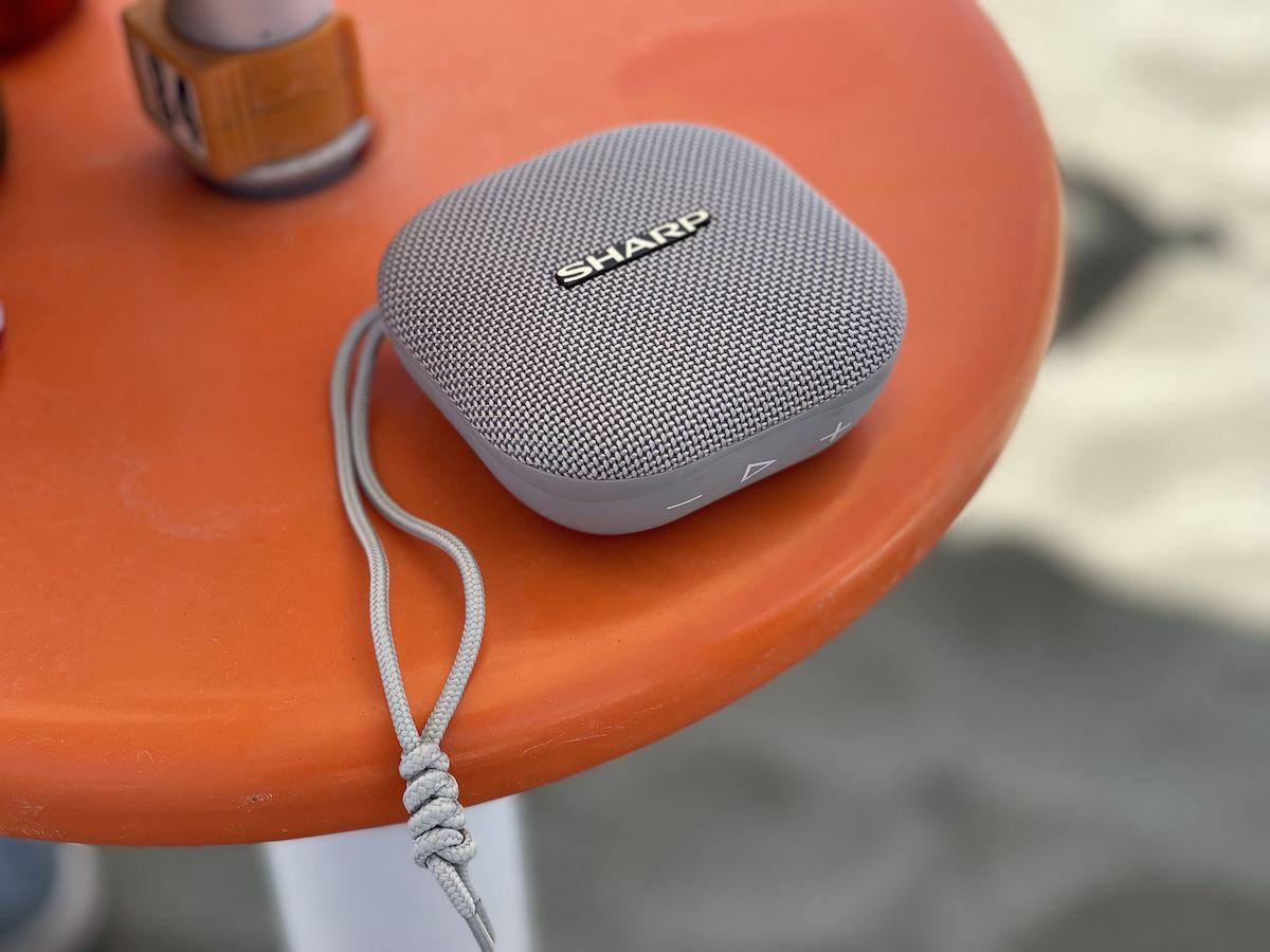 Recensione Sharp GX-BT60. Speaker bluetooth impermeabile (30€).