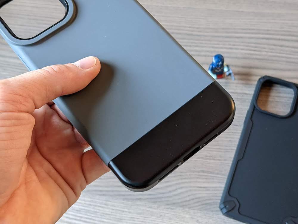 ELAGO GLIDE e ARMOR, le cover ultra protettive per iPhone 13 Pro Max.